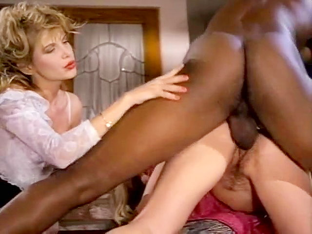 Well-Hung Black Retro Porn Star Doing Latin Chicks -1735